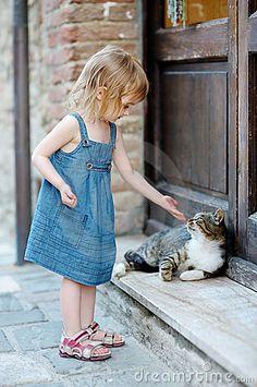 little cat and girl - Google 検索