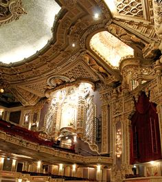 Oriental Theater Chicago - so ornate and beautiful! Theater Architecture, Concept Architecture, Beautiful Architecture, Visit Chicago, Chicago Travel, Chicago Trip, Chicago Photos, Eliza Doolittle, Oriental Theater Chicago