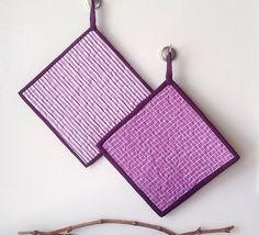 Gesteppte Topflappen in lila Streifen heiße von QuillsandTwills