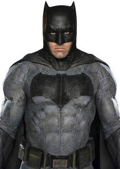 Clearest Looks Yet At Ben Afflecks Batman From V Superman
