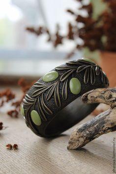 Купить Браслет широкий из полимерной глины Олива - оливковый, колье, олива, оливки