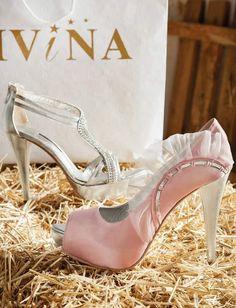 Ροζ σατέν γυναικείες γόβες με ασημί λεπτομέρειες Stuart Weitzman, Sandals, Heels, Fashion, Heel, Moda, Shoes Sandals, Fashion Styles, High Heel