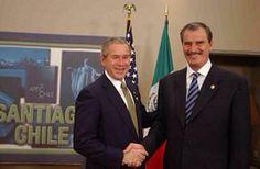 Vicente Fox se reune con Bush. 2004 Lourdes Medina A01337201 Ivana Hernández A01337819 Alejandro Mendoza A01337267