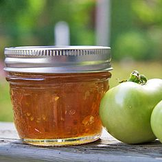 Green tomato marmalade is a delcious way to use up end of the season fruit. Lemon and orange give it classic marmalade taste while ginger adds some heat.