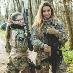 guns and shit I find cool Airsoft, Idf Women, Military Women, Mädchen In Uniform, Outdoor Girls, Female Soldier, Military Girl, Military Personnel, Badass Women