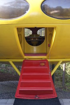 Futuro House Futuristic Home, Futuristic Architecture, Amazing Architecture, Architecture Design, Architecture Organique, Sun Projects, John Lautner, Unusual Buildings, Prefabricated Houses