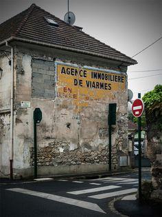 Rue Delchet, Asnières-sur-Oise (Val d'Oise). Mai 2016.