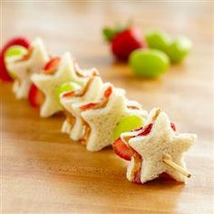 PB & J Fruit Kabobs - might have to do honey and Jelly, no PB, YUCK!!