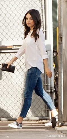 Outfit von Mila @ ABOUT YOU http://www.aboutyou.de/inspiration/get_the_look-60#!/outfit/mila-kunis/just-casual-trendy-durch-den-alltag/?desktopSite=1&utm_source=pinterest&utm_medium=social&utm_term=AY-Pin&utm_content=Star-Styles-Board&utm_campaign=2015-06-KW-25