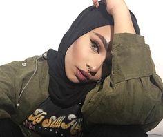begum_sham  GALAXY GIRL Muslim Fashion, Modest Fashion, Modele Hijab, Hijab Trends, Beautiful Muslim Women, Muslim Hijab, Hijab Fashion Inspiration, Muslim Girls, Hijab Outfit