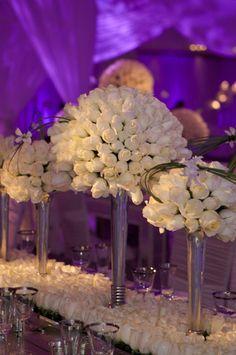 Gorgeous white roses for wedding!  Planner David Tutera.  Photography - Phil Kramer.  http://davidtutera.com/event_photos-new.php?g=14=41
