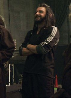 Richard Armitage as Thorin Oakenshield in The Hobbit Trilogy (2012-2014) Behind the Scenes (gif)
