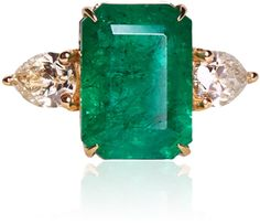 Maria Jose Jewelry 18K Yellow Gold and Emerald Ring With Diamonds
