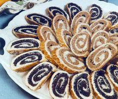 mákos bejgli (Hungarian Christmas cookies) Hungarian Desserts, Hungarian Cake, Hungarian Recipes, My Favorite Food, Favorite Recipes, Good Food, Yummy Food, National Dish, Romanian Food