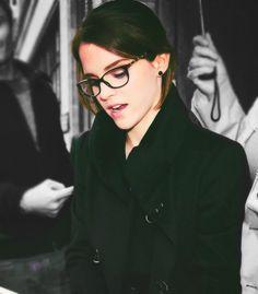 Emma Watson http://www.smartbuyglasses.co.uk/?utm_source=pinterest&utm_medium=social&utm_campaign=PT post