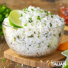 Chipotle Copycat Cilantro Lime rice is a simple recipe that is sure to become a staple in your house. Cilantro Lime Rice is perfectly soft and sticky with a nutty floral aroma. It has fresh… Chipotle Rice Recipes, Chipotle Lime Cilantro Rice, Mexican Food Recipes, The Slow Roasted Italian, Cooking Recipes, Healthy Recipes, Fondue Recipes, Healthy Meals, Delicious Recipes