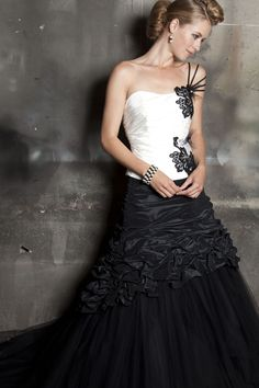 Red And White Weddings, White Wedding Dresses, Formal Dresses, Black Evening Dresses, Romance, Bridal Collection, Marie, Silk, Black And White