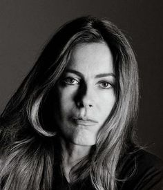 KATHRYN BIGELOW - Near Dark (1987), Point Break (1991), Strange Days (1995), The Weight of Water (2000), The Hurt Locker (2009)-----en un mundo de hombres ......una mujer berraca....