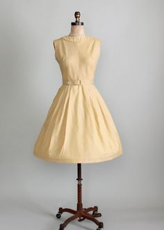Vintage 1950s Coming and Going Full Skirt Dress