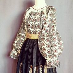 Postări pe Instagram de la Ie Vie Magazin Online🇹🇩 • Iun 8, 2019 la 7:52 UTC Folk Embroidery, Ethnic, Bell Sleeve Top, Costumes, Traditional, Instagram Posts, How To Wear, Beautiful, Romania