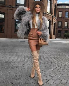 Fur Fashion, Winter Fashion Outfits, Autumn Fashion, Fashion Looks, Womens Fashion, Winter Dresses With Boots, Dress With Boots, Classy Outfits, Sexy Outfits