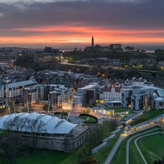 Not too shabby a sunset from Salisbury Crags, overlooking beautiful #Edinburgh #edinphoto #igersedinburgh #insta_scotland #BrilliantMoments #loves_scotland #exploreedinburgh #explorescotland #scotland #bbcbritain #uk #tlpicks #thebest_capture #citypicz #allshots_ #LoveGreatBritain #igersscotland #instascotland #capturingbritain #fantastic_earth #fantasticcolours #awesomeearth #ukpotd #amazing_pictures #magicpict #city_explore #photosofbritain #sunset_ig #ic_thecity #capital_world