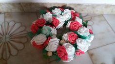 Decorazioni con fiori finti, per matrimoni. . Comunioni. . Per arricchire una tavola ecc. . 😊