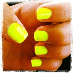Lovee bright nails