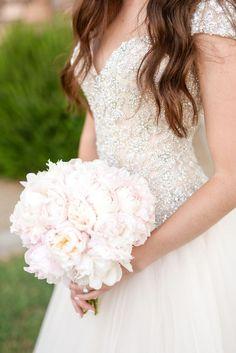 Wedding dress idea; Featured Photographer: Monique Hessler Photography