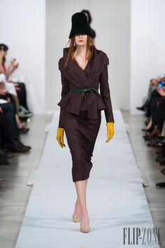 Oscar de la Renta Fall-winter 2013-2014 - Ready-to-Wear - http://www.flip-zone.net/fashion/ready-to-wear/fashion-houses-42/oscar-de-la-renta - ©PixelFormula