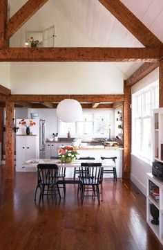 Cottage kitchen (photo by andrew waller)