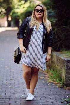 Plus Size Fashion - Black & Stripes | Theodora Flipper