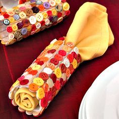button crafts for kids: diy napkin rings for fall and Thanksgiving