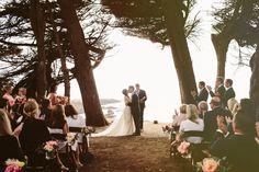 Casamento praiano precisa ser com o pé na areia? Não necessariamente.<br /><br />Entendam:http://bit.ly/praiano-vintage<br /><br />#casarei #casamento #wedding
