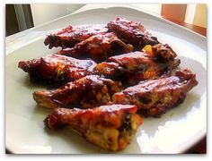Slow Cooker Chicken Wings - Crispy skin on the outside and meat so tender it falls of the bone...Yum!
