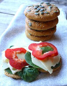 Søtpotet scones - lindastuhaug Crunches, Caprese Salad, Scones, A Food, Pancakes, Strawberry, Lunch, Bread, Cookies