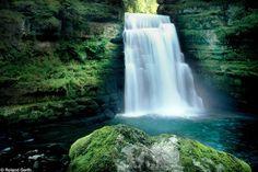 Saut du Doubs    Mini Niagara Falls / Chutes d'eau / Wasserfall    @ Les Brenets Three Lakes, Destinations, Ville France, Fjord, Seen, Naturally Beautiful, Grand Hotel, Weekend Trips, Mother Nature