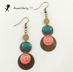 Boucles d'oreilles pendantes ROCK bicolores étoiles Corail Turquoise et bronze : Boucles d'oreille par saperliberty Copper Jewelry, Leather Jewelry, Diy Jewelry, Beaded Jewelry, Jewelry Making, Unique Jewelry, Jewellery, Wire Earrings, Earrings Handmade