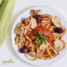 O mancare usoara si gustoasa in ton cu vremea insorita de afara: spaghete din dovlecei. Nu au chiar gust de paste, dar inRead more...