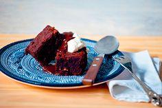 Todo mundo já conhece o sabor irresistível do brownie. Mas esta versão rústica, com cardamomo e castanha-do-Brasil, vai surpreender até os mais ortodoxos do doce.