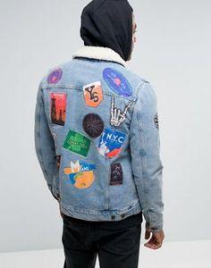 Синяя джинсовая куртка с нашивками и воротником из искусственного меха ASOS