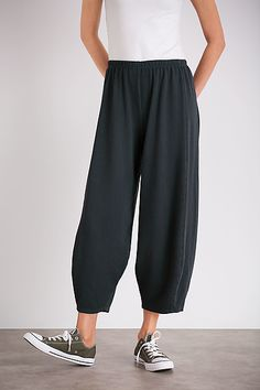 Incredibly comfortable, unique figure-flattering pants. Barefoot Pant by Lisa Bayne: Knit Pant available at www.artfulhome.com