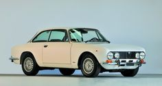 1972 Alfa Romeo Bertone - 2000 GTV   Classic Driver Market