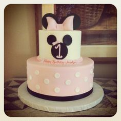 Minnie Mouse cake Birthday Cake Girls, First Birthday Parties, First Birthdays, 5th Birthday, Birthday Cakes, Birthday Ideas, Mickey Mouse Cake, Minnie Mouse Cake, Cupcake Cookies