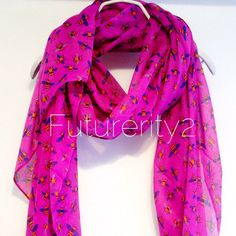 This beautiful Honey Bee Deep Pink scarf will look great with any outfit…