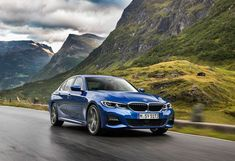 BMW more power, minimised emissions. The engine in the new BMW Sedan generates more spirited performance than ever. Bmw Z4, Bmw Serie 3, Bmw 4 Series, Bmw Car Models, Bmw Cars, Latest Bmw, Latest Cars, Audi, Automobile