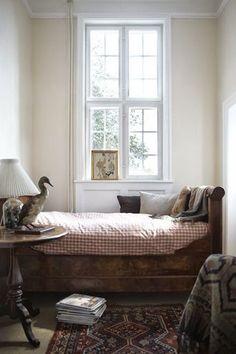 The New Victorian Ruralist: Sleeping Nook Perfection…… Home Bedroom, Bedroom Decor, Light Bedroom, Budget Bedroom, Bedroom Ideas, Apartment Bedrooms, Kids Bedroom, Sleeping Nook, My New Room