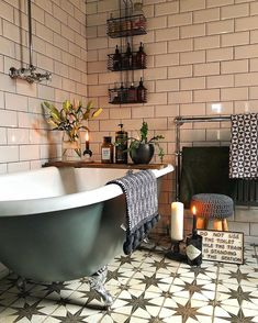 40 Amazing Bohemian Style Bathroom Decor Ideas The Effective Pictures We Offer You About bohemian decor A quality picture can tell you many things. Home Interior, Bathroom Interior, Decor Interior Design, Interior Decorating, Decorating Ideas, Interior Colors, Decorating Websites, Bad Inspiration, Bathroom Inspiration
