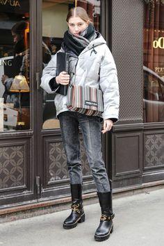 おしゃれローカルを探せ! 海外ストリートスナップ:パリ in 2020 Fashion Images, Fashion Pictures, Fashion Pants, Fashion Outfits, Womens Fashion, Suspenders Fashion, Urban Fashion, Daily Fashion, Girl Fashion Style