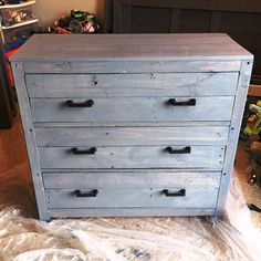 Mini Pallet Chest of Drawers / Nightstand - 30 Easy DIY Pallet Ideas for Your Next Projects   101 Pallets